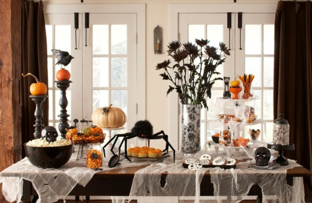 Scary Indoor And Outdoor Halloween 2018 Decorating Ideas