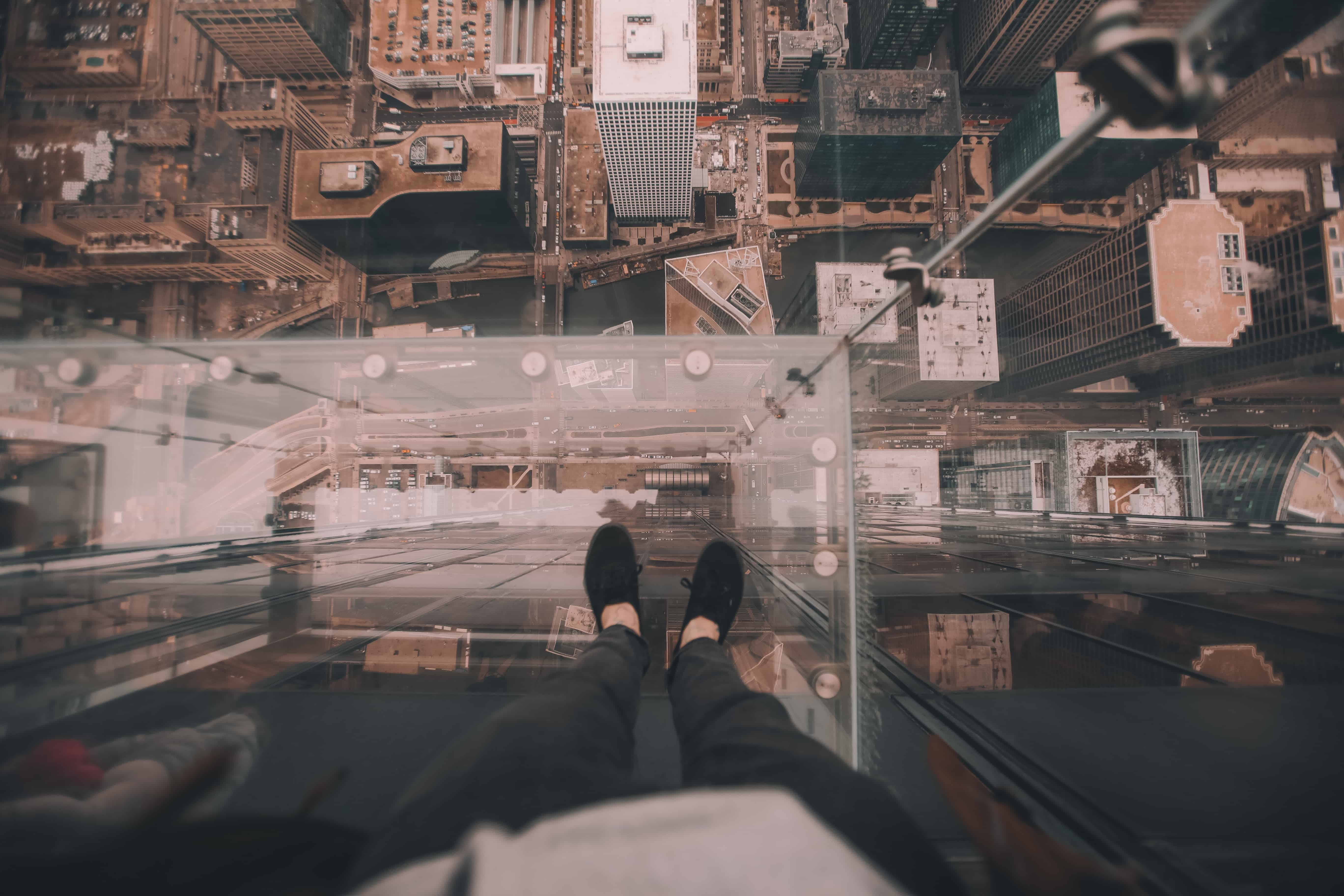 willis tower hours
